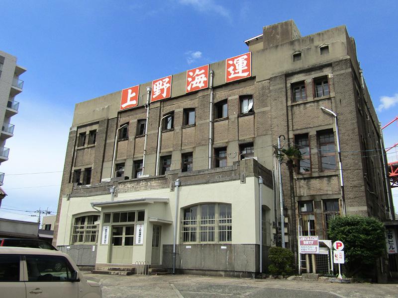 アサカフェが入る上野ビル(上野海運ビル)。大正2年(1913)建築